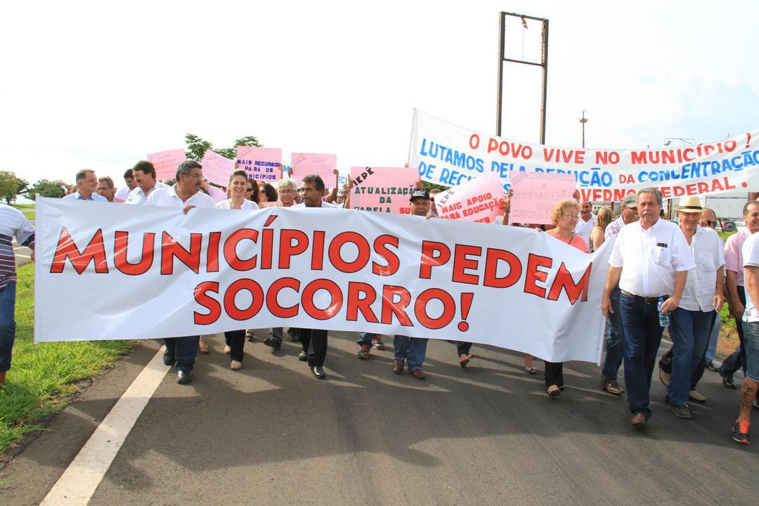 Reforma pode deixar 88% dos municípios brasileiros QUEBRADOS!