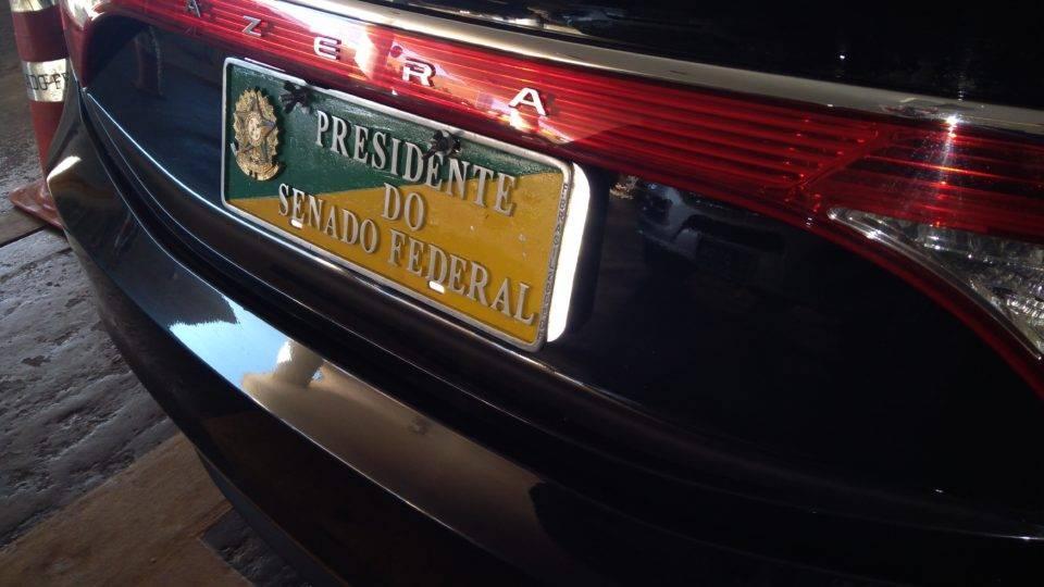 Senadores falam que Brasil está quebrado, mas torram R$6,5 milhões em carros oficiais