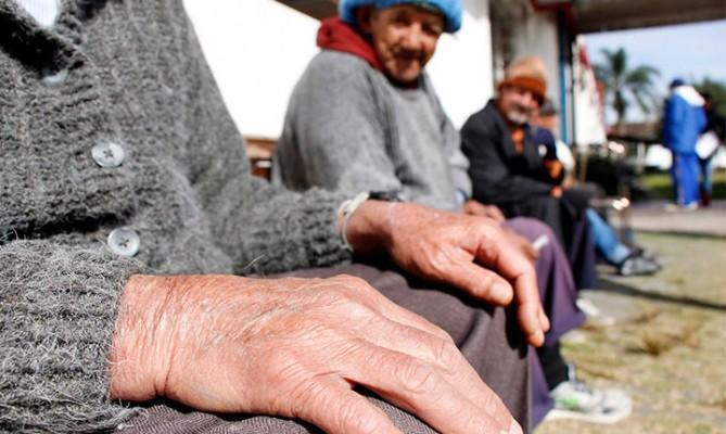 Reforma da Previdência tira dos pobres e é inconstitucional, dizem especialistas