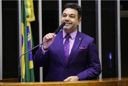 Deputado Feliciano usa R$157 mil em dinheiro público para arrumar os dentes