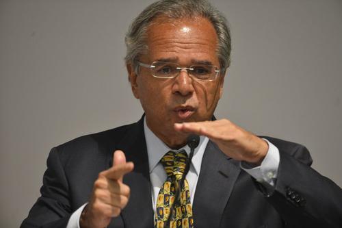 Fattorelli: Banco Central é a causa da crise e Guedes busca R$ 1 tri dos mais pobres para repassar aos bancos