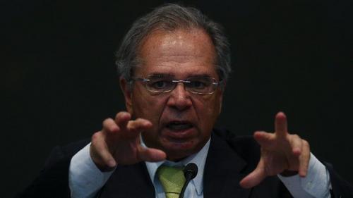 Após derrota na Previdência, Guedes manda compensar 'cada bilhão perdido'